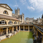 220px-Roman_Baths_in_Bath_Spa,_England_-_July_2006